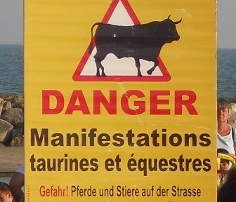 Danger Sign - Hmmmm can't the audience read!!!!