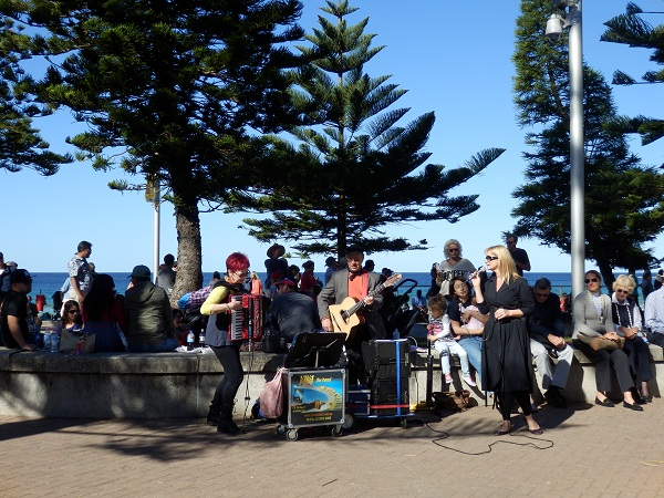 Buskers at the manly Jazz Festival