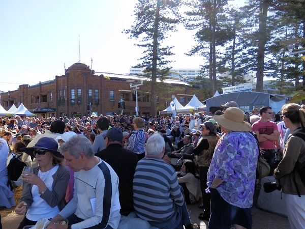 Outside Steyne Hotel at the Manly Jazz Festival