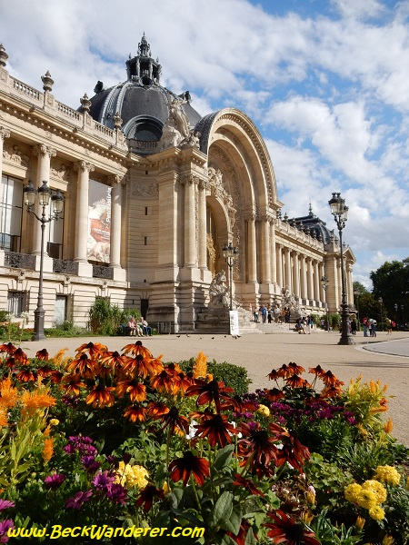 Museo del Petit Palais with beautiful gardens